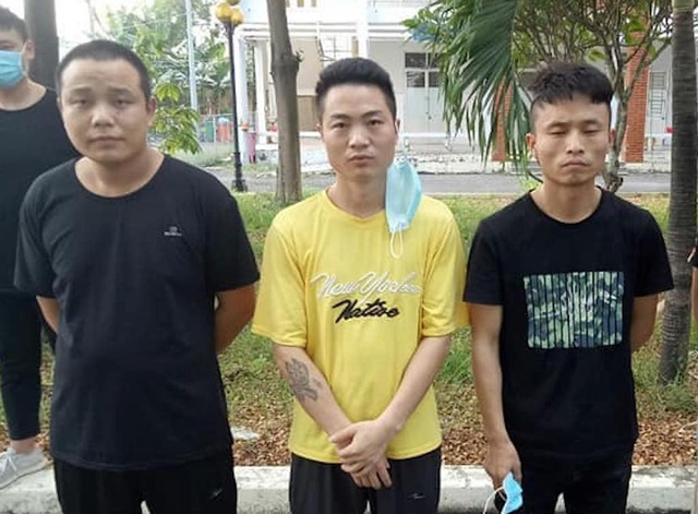 Truy tìm 2 người Trung Quốc trốn khỏi khu cách ly tại TPHCM - 3