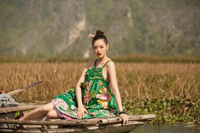 Khánh Vân tự tin với bikini, nhìn lại hành trình sau 2 năm đăng quang - 11