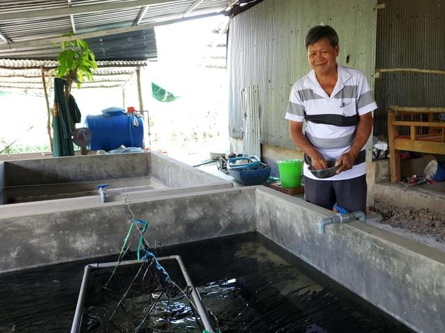 Nông dân Cần Thơ làm giàu từ nuôi lươn giống không bùn - 1