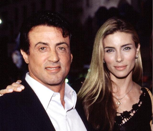 Ảnh hiếm về Rambo Sylvester Stallone và vợ kém 22 tuổi - 4