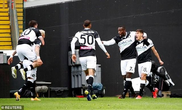C.Ronaldo hóa siêu nhân, cứu Juventus khỏi thảm họa - 2
