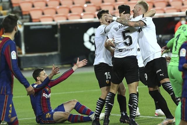 Messi rực sáng, Barcelona hạ Valencia và tiếp tục nuôi mộng vô địch - 2