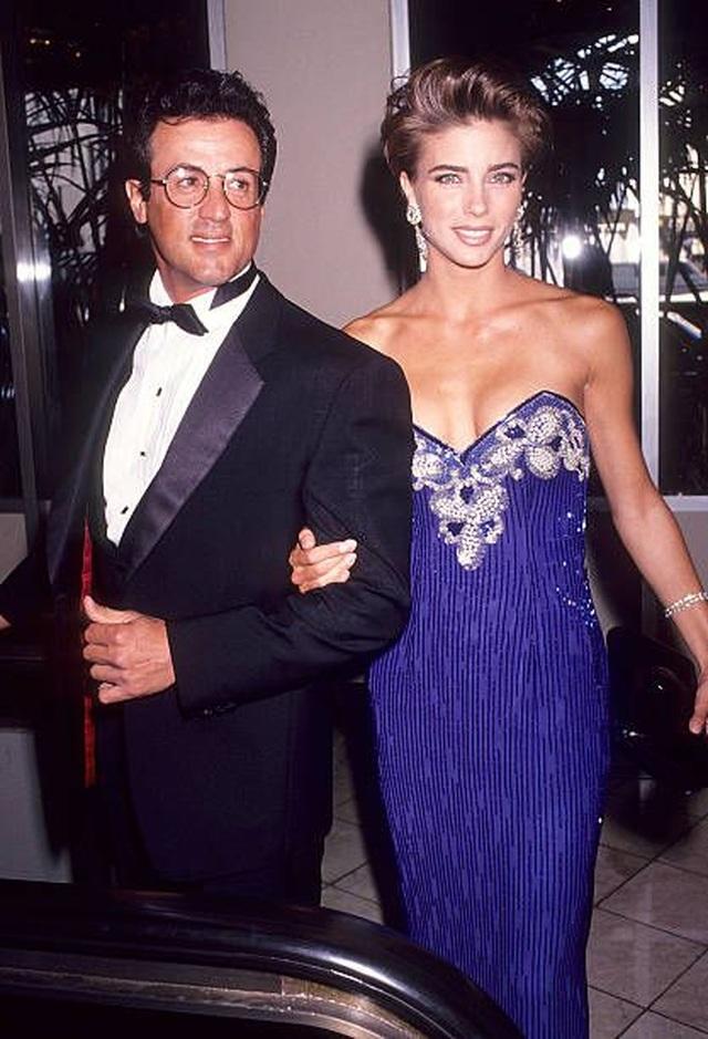 Ảnh hiếm về Rambo Sylvester Stallone và vợ kém 22 tuổi - 8