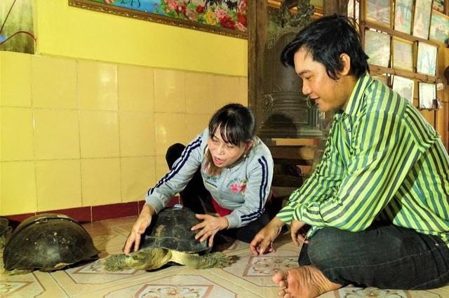 Lạ kỳ ngôi chùa có những cụ rùa trăm tuổi... ăn chay, ngủ mùng - 2