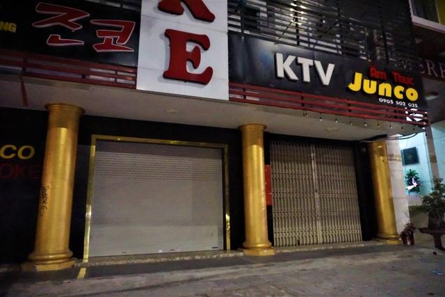 Karaoke, vũ trường cửa đóng then cài phòng, chống dịch Covid-19 - 5
