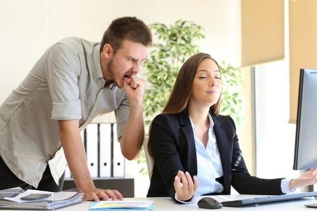 7 cách đối phó hiệu quả với đồng nghiệp xấu tính - 1