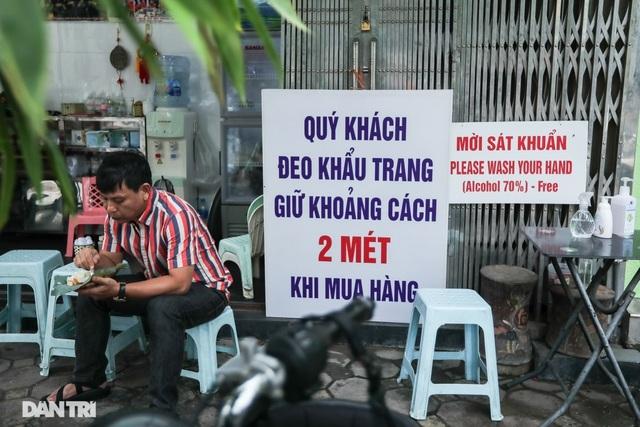Hà Nội đóng cửa quán ăn uống vỉa hè từ 17h chiều nay - 1