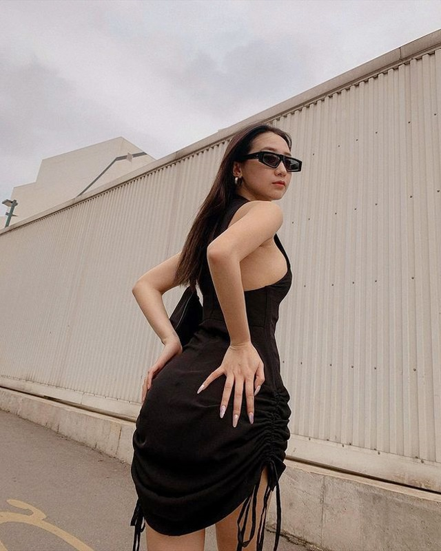 Hot girl Hà thành đốt cháy mùa hè bằng loạt ảnh diện bikini nóng bỏng - 10