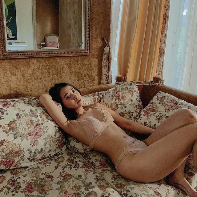 Hot girl Hà thành đốt cháy mùa hè bằng loạt ảnh diện bikini nóng bỏng - 14