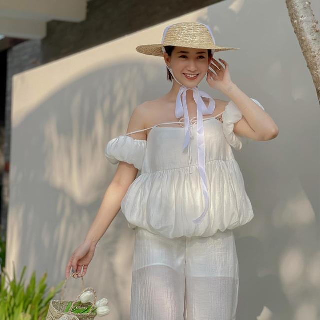 Hot girl Hà thành đốt cháy mùa hè bằng loạt ảnh diện bikini nóng bỏng - 18