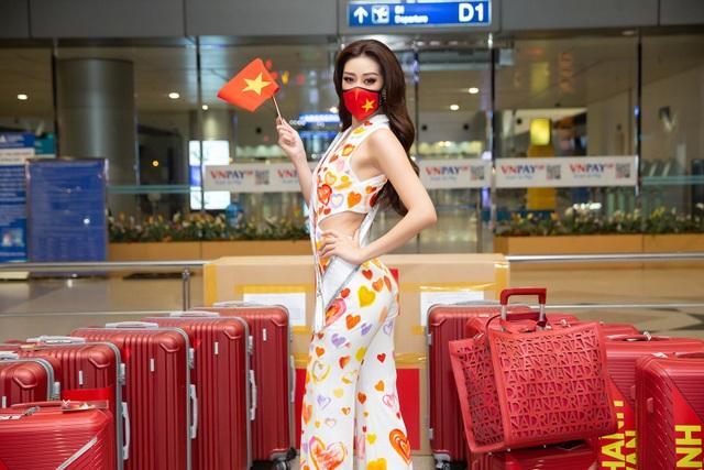 Khánh Vân lên đường sang Mỹ thi Hoa hậu Hoàn vũ - 2
