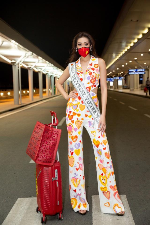 Khánh Vân lên đường sang Mỹ thi Hoa hậu Hoàn vũ - 1