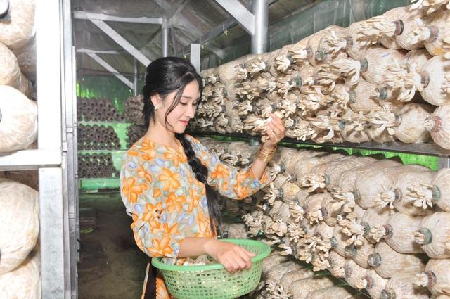 Nông dân 9X xinh đẹp sở hữu trại nấm và khu vườn trĩu quả vạn người mê - 3