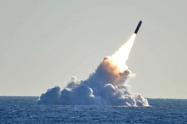 Tàu ngầm Trung Quốc trang bị tên lửa có tầm bắn bao phủ Mỹ - 1