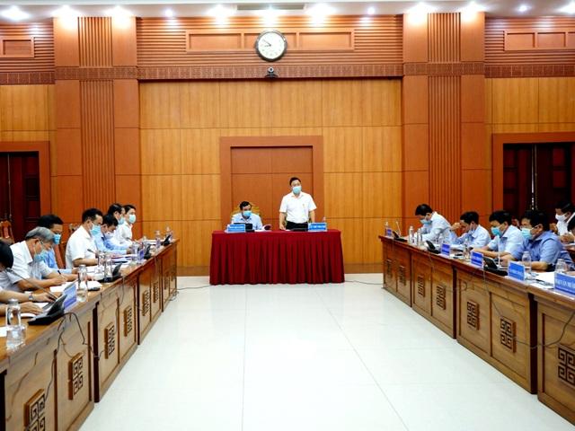 Quảng Nam họp khẩn, tranh thủ giờ vàng chống dịch - 1