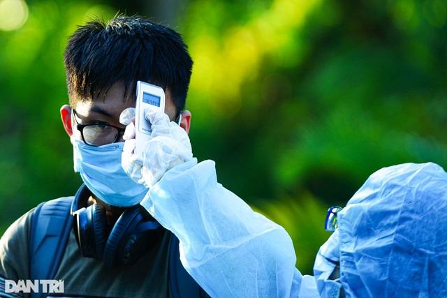TP.HCM sẽ cách ly du khách sốt trên 37,5 độ C - 2