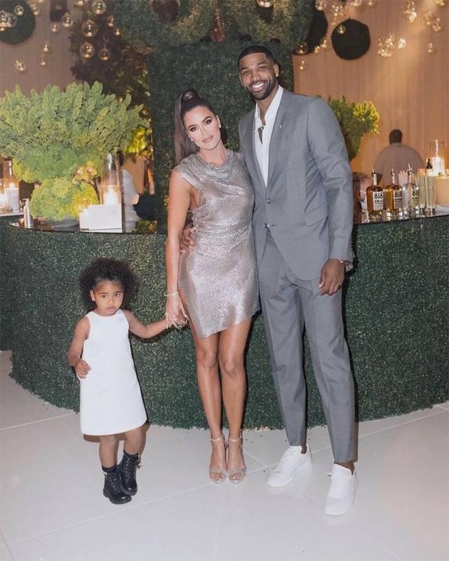 Bạn trai kém 7 tuổi của Khloe Kardashian lại dính tin đồn ngoại tình - 1