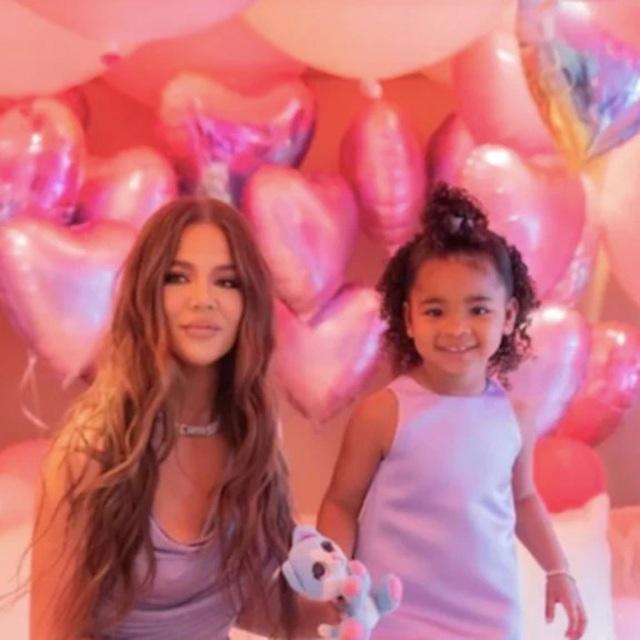 Bạn trai kém 7 tuổi của Khloe Kardashian lại dính tin đồn ngoại tình - 7