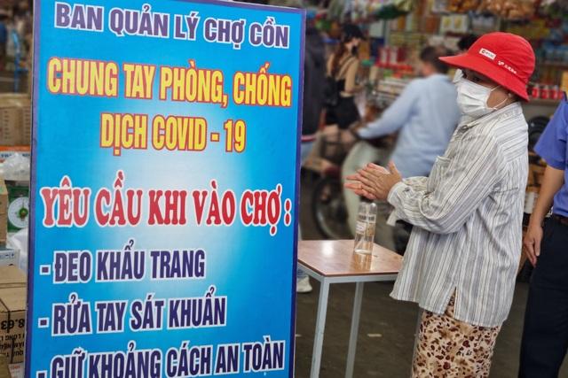 Bãi biển Đà Nẵng vắng người sau lệnh cấm - 8