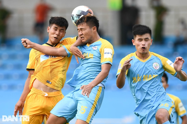Hòa Bình FC có điểm số đầu tiên trong ngày khai mạc giải hạng nhì 2021 - 4