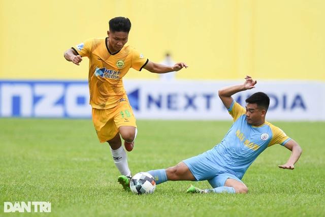 Hòa Bình FC có điểm số đầu tiên trong ngày khai mạc giải hạng nhì 2021 - 3