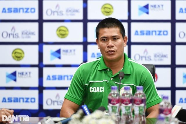 Hòa Bình FC có điểm số đầu tiên trong ngày khai mạc giải hạng nhì 2021 - 12