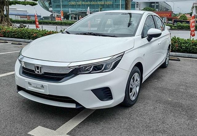 Những mẫu ô tô mới trong tháng 4 cho khách Việt lựa chọn - 3