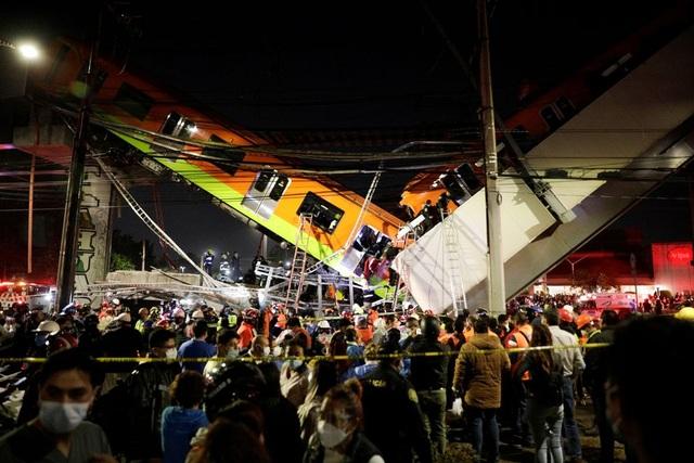 Mexico: Sập đường sắt trên cao, ít nhất 13 người chết - 2