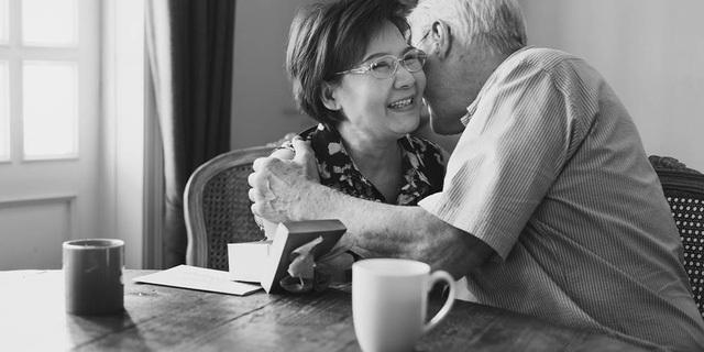 Nghịch lý người trẻ hôn nhân già, và nhiều người già hôn nhân rất trẻ - 1