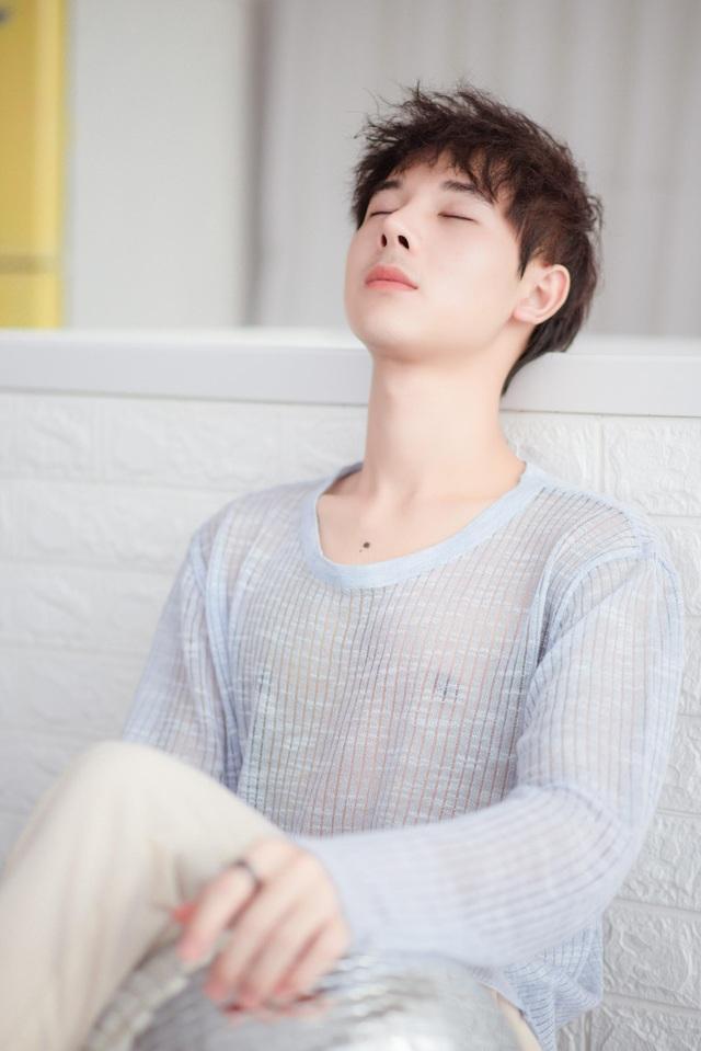 Hot boy Cao Bằng điển trai nghiền làm từ thiện, yêu động vật - 12