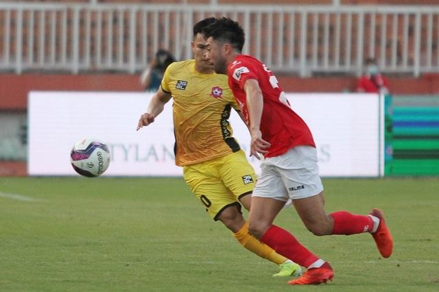 Lee Nguyễn tranh Vua phá lưới V-League với Công Phượng, Văn Toàn - 1