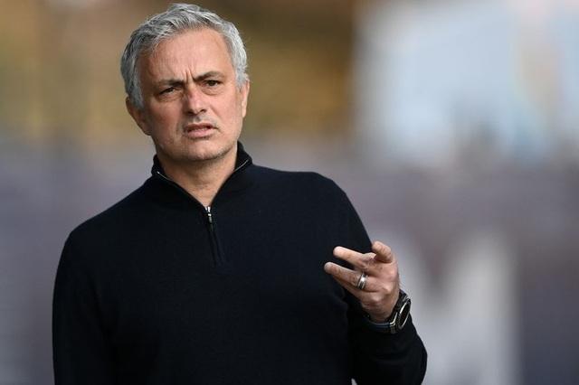 Mourinho có công việc mới, Tottenham phải đền bù bao nhiêu tiền? - 1