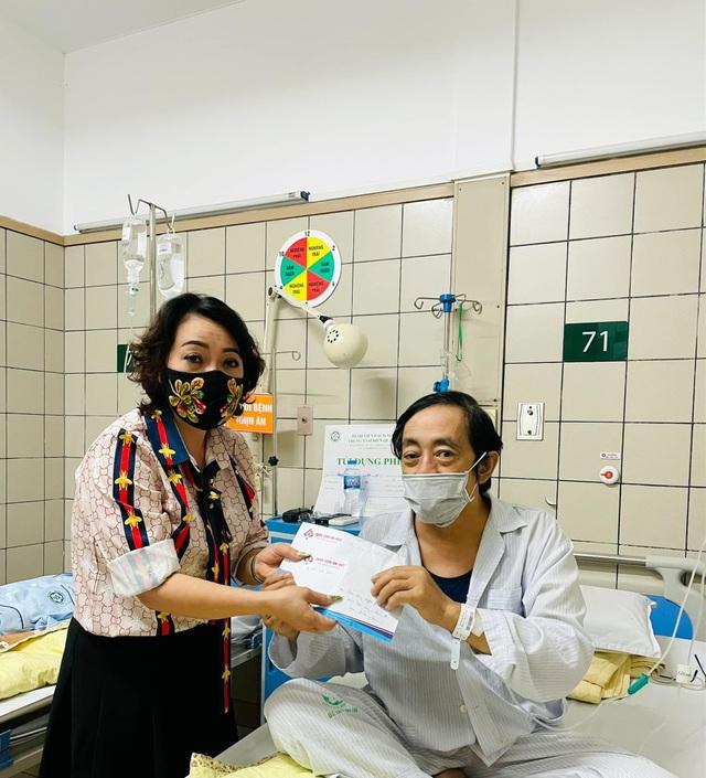 Nghệ sĩ Giang Còi phải nhập viện vì ung thư chuyển nặng, ra máu nhiều - 2
