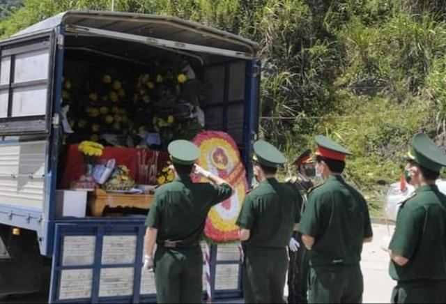 Tiếp nhận hài cốt 95 liệt sĩ hy sinh ở Lào về nước an táng - 2