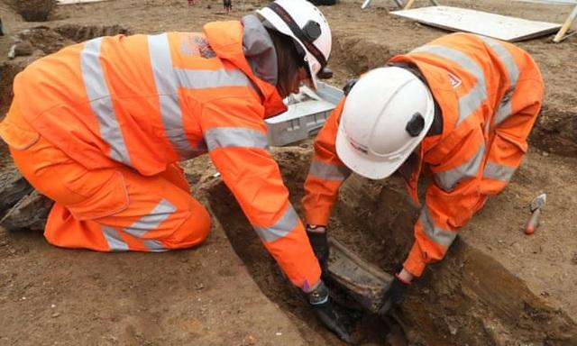 Phát hiện 3.000 thi thể chôn ở sân nhà thờ Buckinghamshire - 1