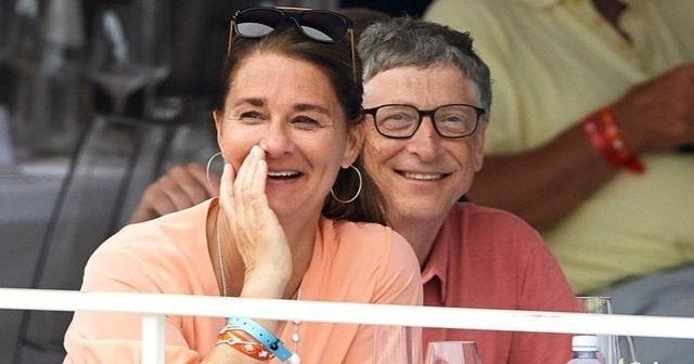 Nữ phiên dịch viên Trung Quốc lên tiếng về tin đồn làm Bill Gates ly hôn - 1