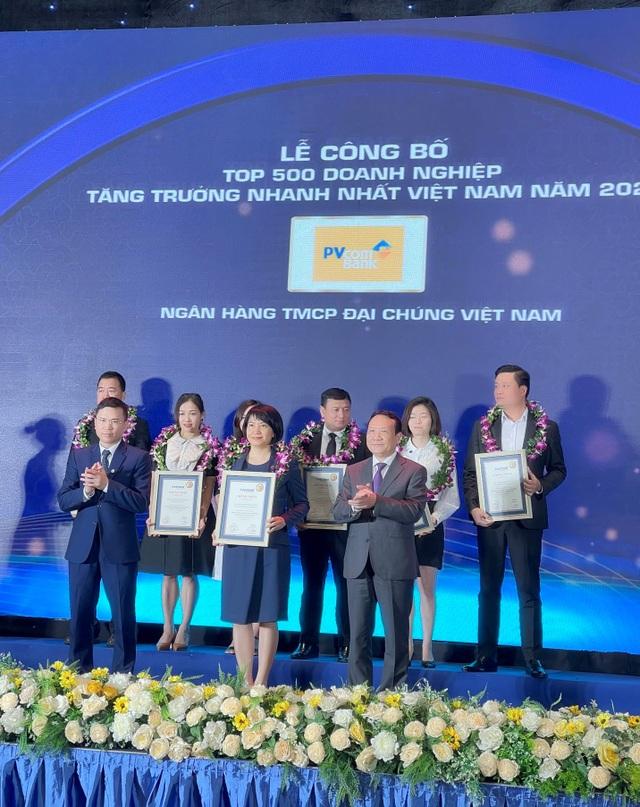 PVcomBank vinh dự trong Top 500 DN tăng trưởng nhanh nhất Việt Nam năm 2021 - 1