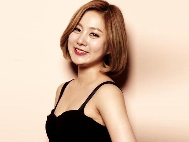 Thấy gì sau vụ việc nữ nghệ sĩ Hàn Quốc bị ném đá vì nói về tình dục? - 3