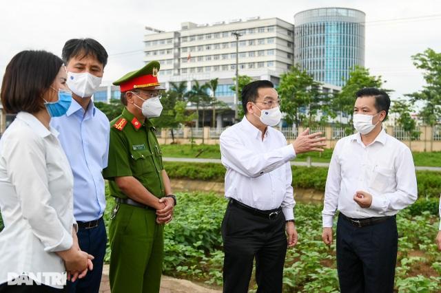 Phong tỏa Bệnh viện Bệnh Nhiệt đới Trung ương cơ sở Đông Anh - 1