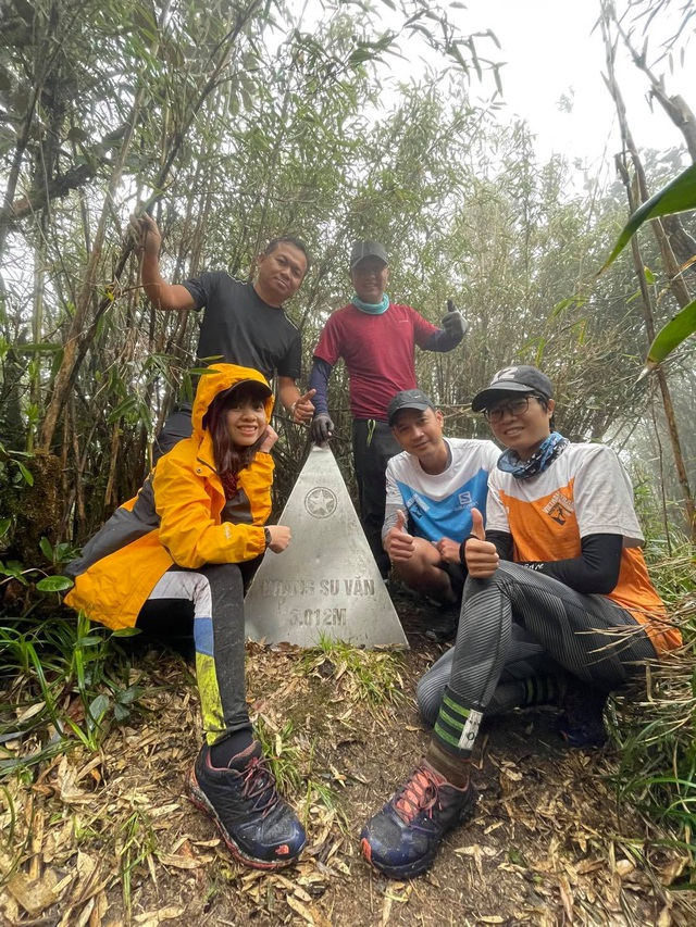 Hành trình chinh phục cột mốc biên giới cao nhất Việt Nam - 12