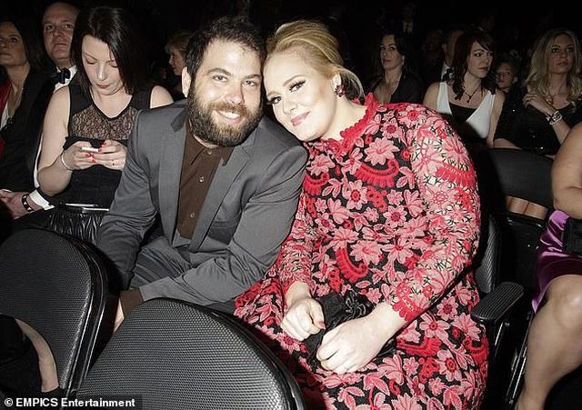 Họa mi nước Anh Adele tự tin khoe mặt mộc sau khi giảm cân sốc - 4