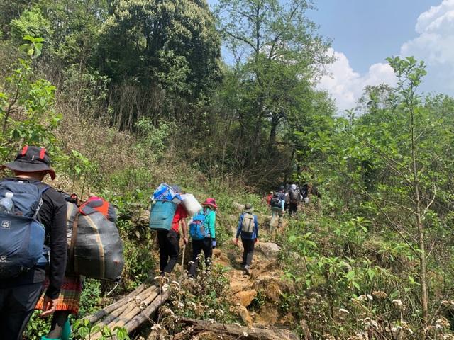 Hành trình chinh phục cột mốc biên giới cao nhất Việt Nam - 2