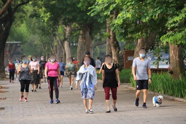 Bí thư Hà Nội: Dập dịch nhưng không phong tỏa cực đoan, ngăn sông cấm chợ - 2