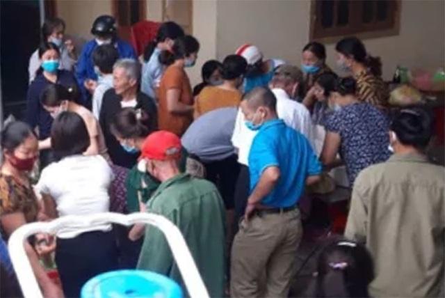 Hoãn cưới khẩn cấp vì dịch, nhà chú rể được hàng xóm giải cứu 150 mâm cỗ - 2