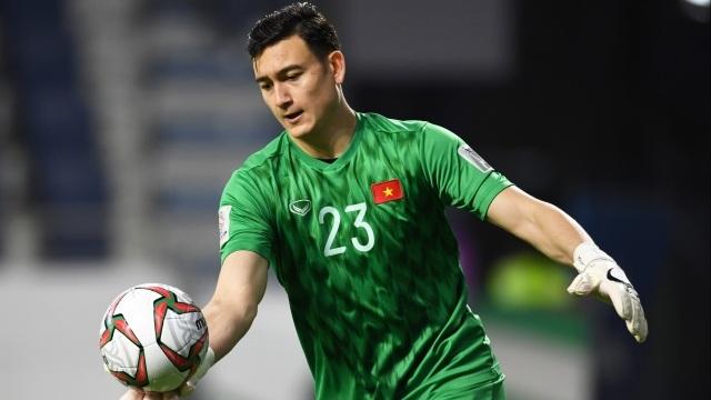 Văn Lâm có tên trong danh sách 28 cầu thủ được thầy Park đưa sang UAE - 1