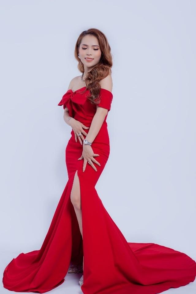 Khánh Ly Boutique: nỗ lực tôn vinh vẻ đẹp phái nữ - 3