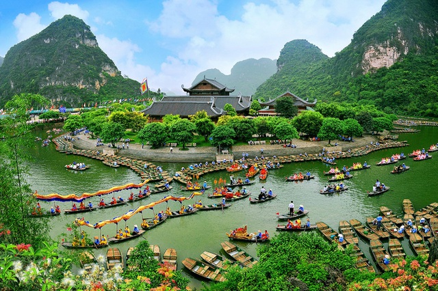 Di sản thế giới Tràng An, chùa Bái Đính ngừng đón khách - 1