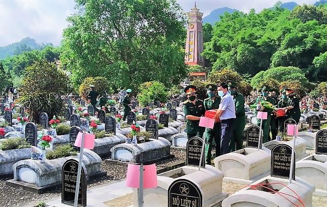 Tổ chức truy điệu, an táng 15 hài cốt liệt sĩ tại Nghĩa trang  Đồng Tâm - 3