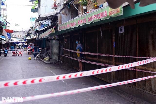 Hai quán ăn ở TP HCM tạm đóng cửa vì ca tái dương tính Covid-19 - 3