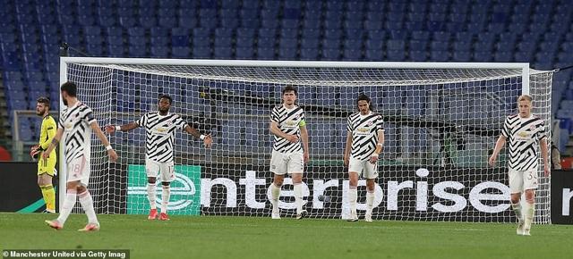 Man Utd thua AS Roma trong ngày Cavani lập cú đúp - 10